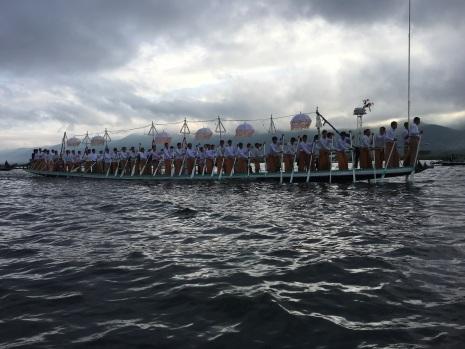 Big boats need lots of people