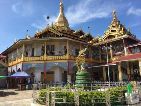 Phang Daw OO Pagoda
